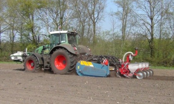 48SX, Spadingmachine, Spading, Seedbedpreparation, Direct Mais seeding, Fendt, working the soil, New