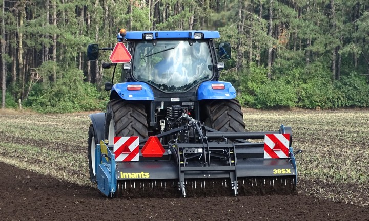 Spadingmachine, spader, Imants, tillage,No till, agriculture, horticulture, Working the soil, Light spader, light spadingmachine,