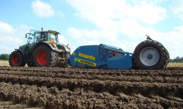 Imants, Deepspading, Deepspader, deep spader, work the soil
