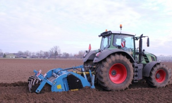 Imants, Deepspading, Deepspader, deep spader, work the soil,