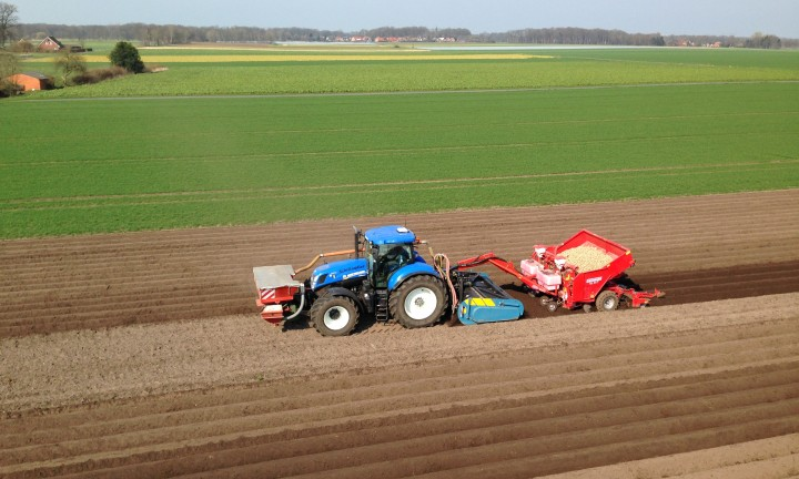 48SX, Spadingmachine, Spading, Seedbedpreparation, Potato planting, New Holland, working the soil, New, 1 pass operation,
